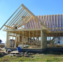 zalety budownictwa drewnianego